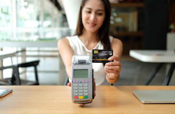 央行:信用卡逾期金额超900亿!